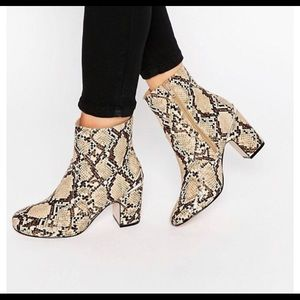 ASOS Metal Detail Ankle Boots SZ 6